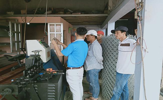 may-be-dai-sat-chinh-hang   máy uốn đai sắt tự chế, máy bẻ đai sắt chính hãng, máy bẻ đai sắt phi 10, máy uốn đai thép, máy bẻ đai cá heo việt, máy gia công đai thép, máy bẻ đai sắt Chí Hướng, máy bẻ đai sắt chiho